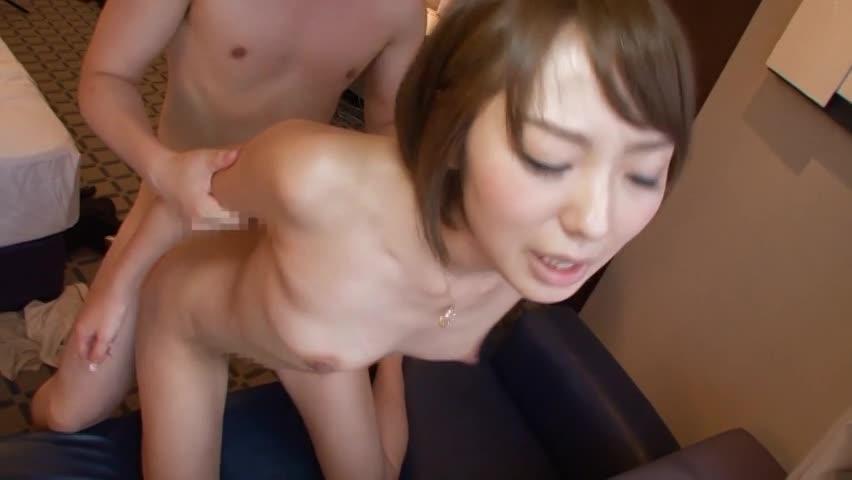 斉藤真奈美。不倫願望の27歳人妻が人生初3Pで大絶頂!